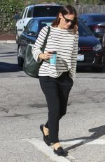 JENNIFER GARNER Out and About in Los Angeles 01/29/2017