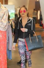 JENNIFER LOPEZ Shopping in Beverly Hills 01/13/2017