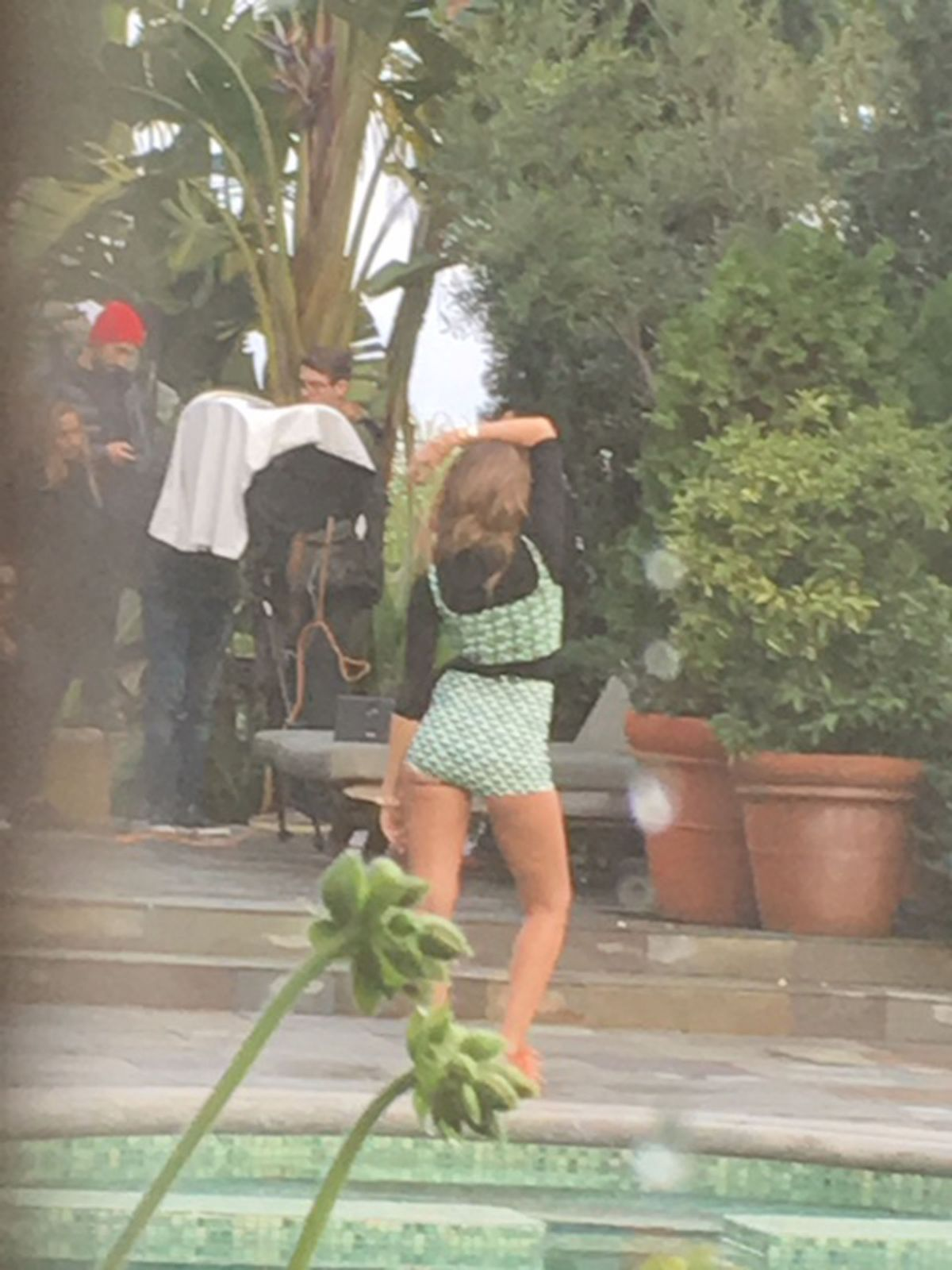 http://www.hawtcelebs.com/wp-content/uploads/2017/01/jessica-alba-on-the-set-of-a-photoshoot-in-los-angeles-01-20-2017_2.jpg