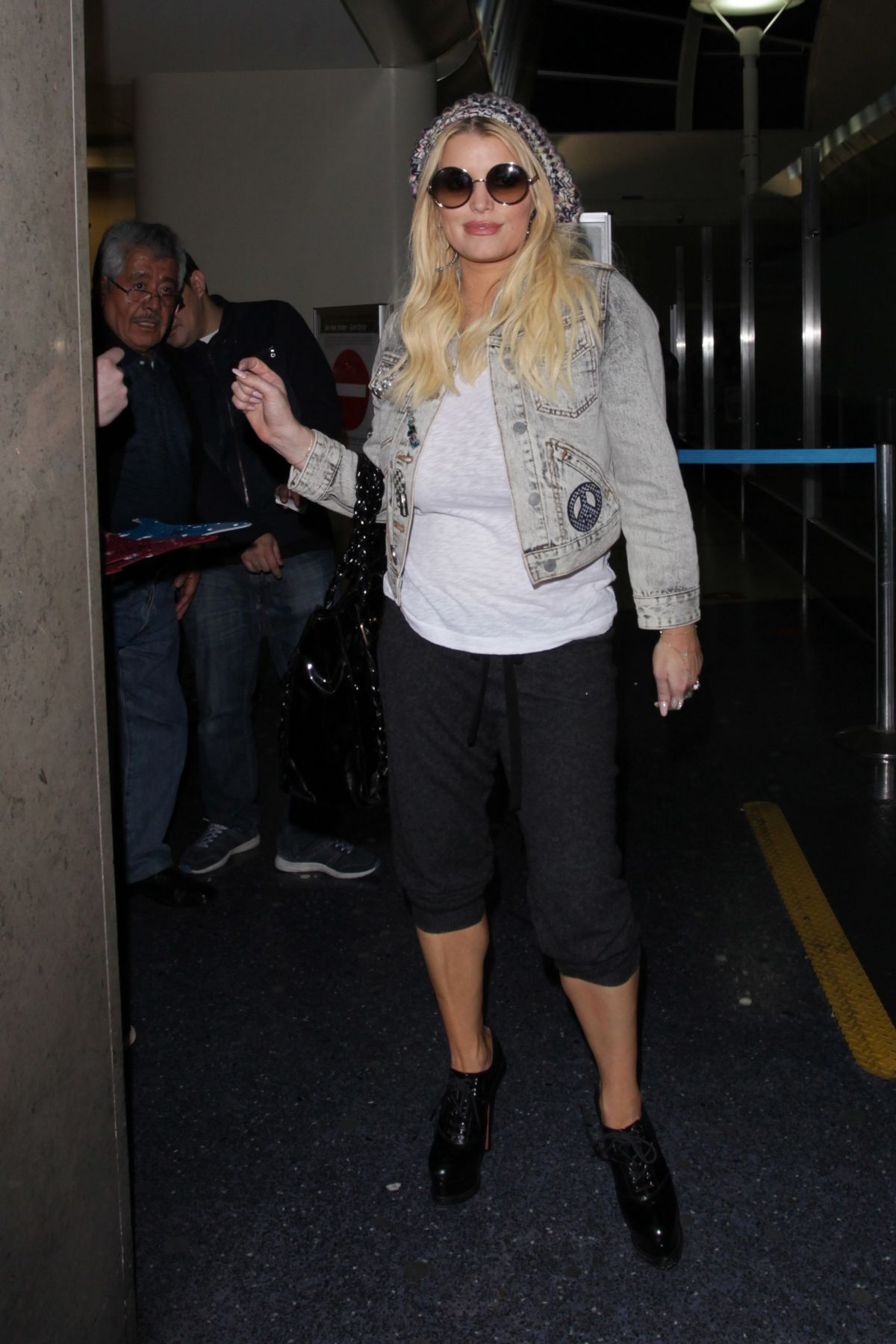 JESSICA SIMPSON at Los Angeles International Airport 01/15/2017