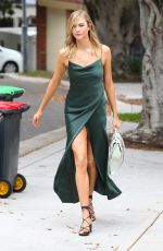 KARLIE KLOSS Out and About in Sydney 01/31/2017
