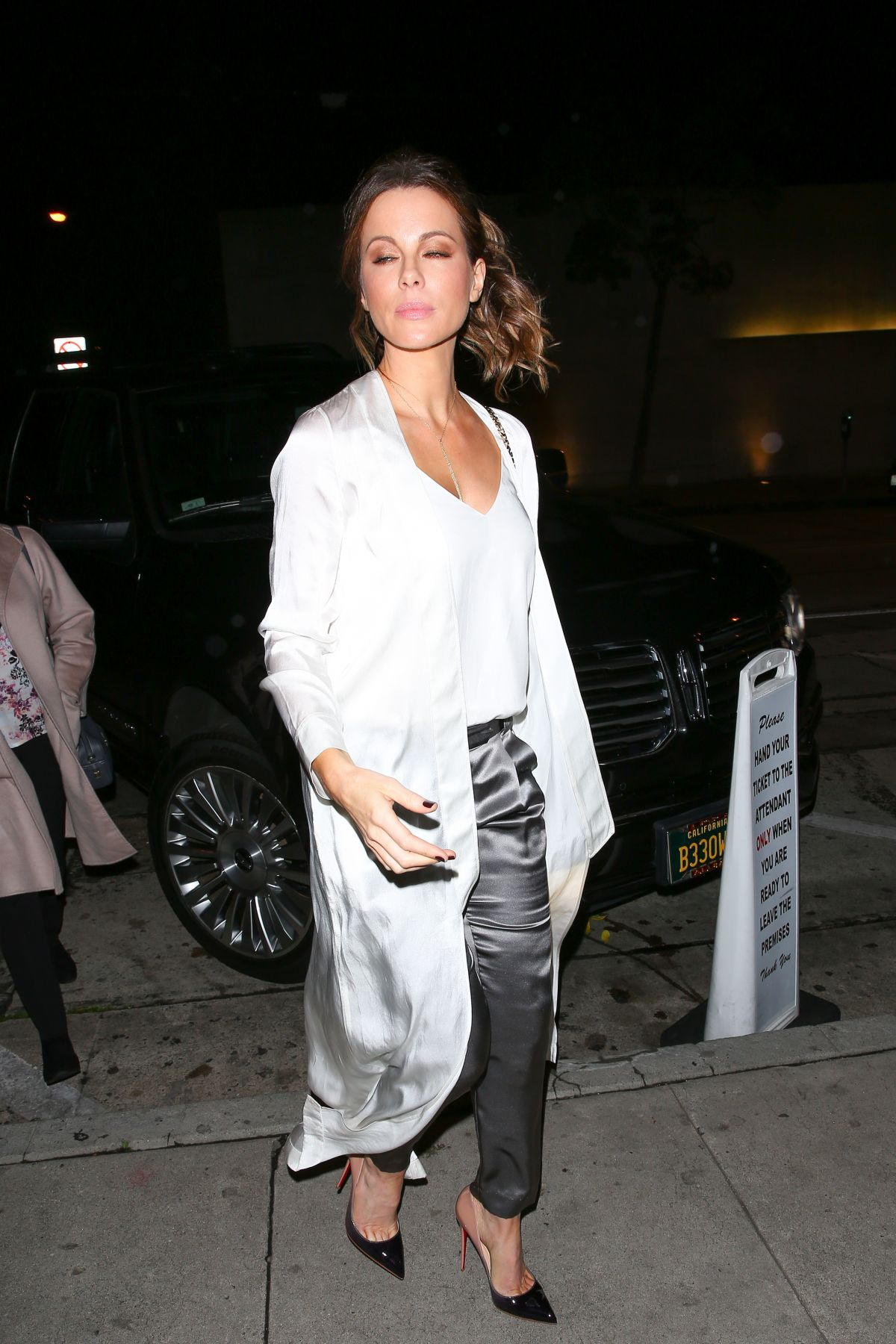 foto Kate beckinsale at craigs restaurant in hollywood