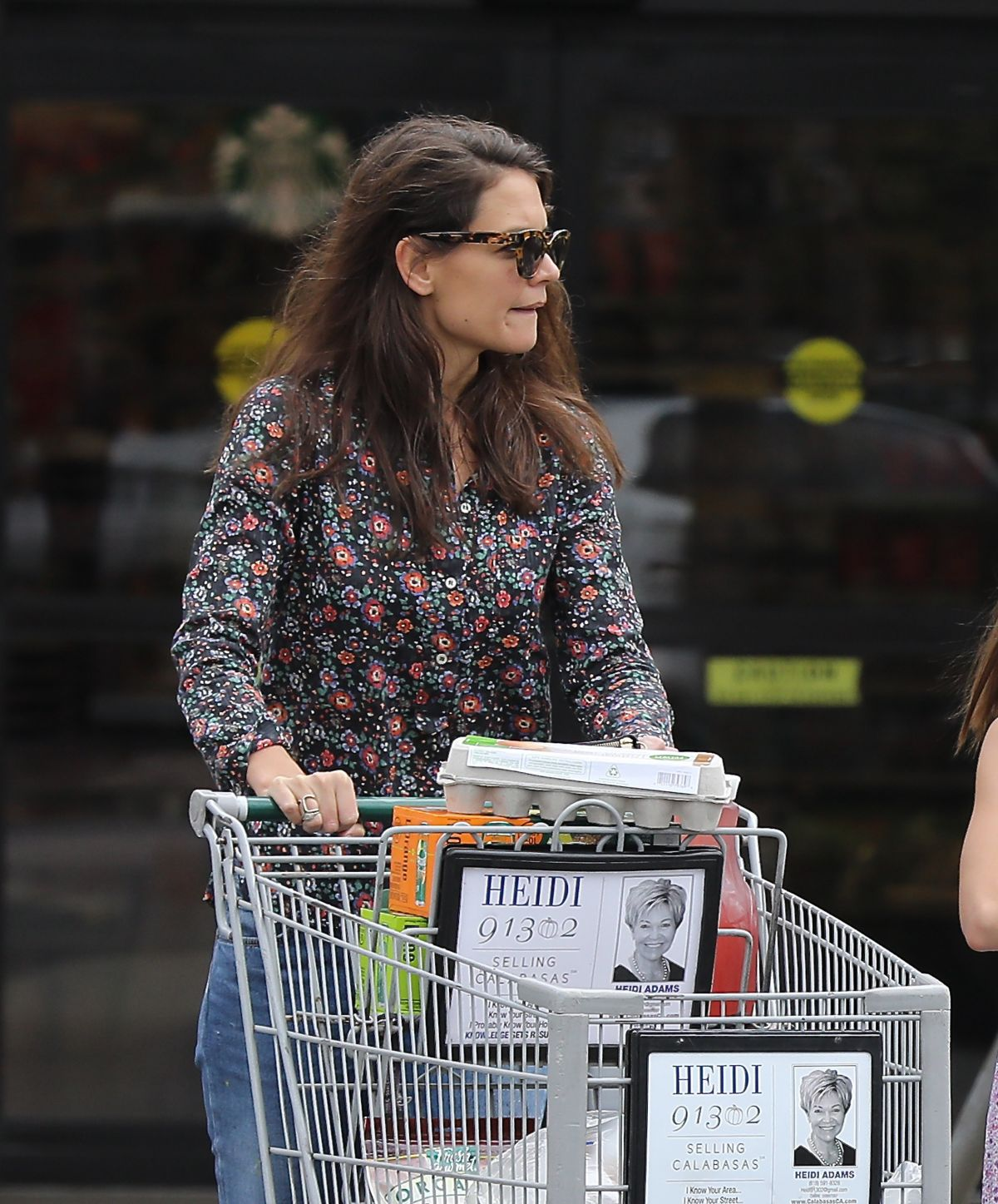 Los Angeles Supermarket: KATIE HOLMES Out For Grocery Shopping In Los Angeles 01/15