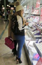 KATIE SALMON Shoping for Rings in Manchester 01/05/2017