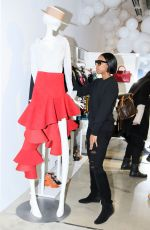 KELLY ROWLAND Shopping in Florence 01/09/2017