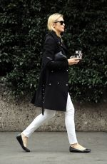 KELLY RUTHERFORD Out in Mialan 01/10/2017