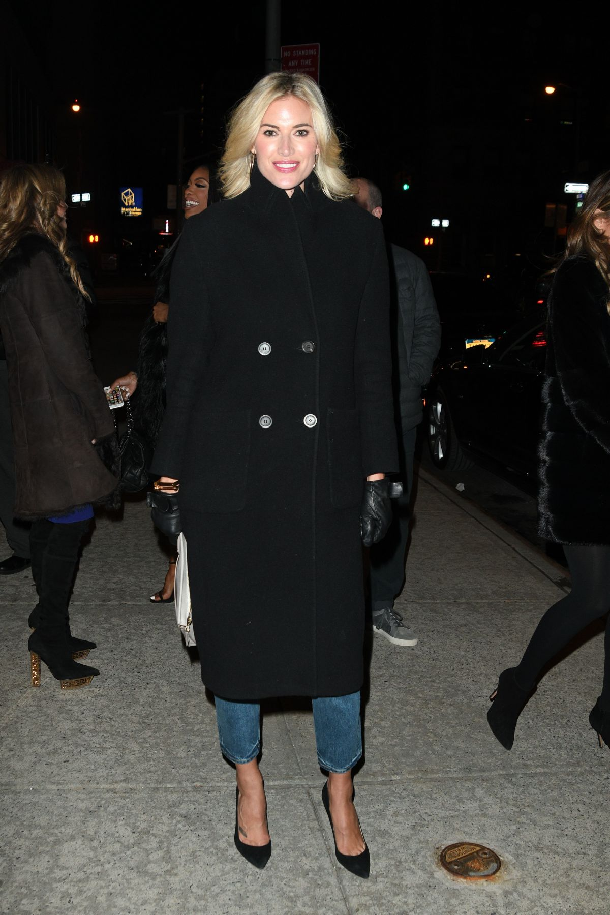 KRISTEN TAEKMAN Arrives at Watch What Happen Lilve in New York 01/15/2017