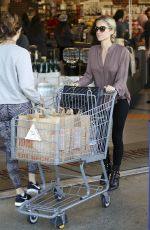 KRISTIN CAVALLARI Out Shopping in Los Angeles 01/17/2017