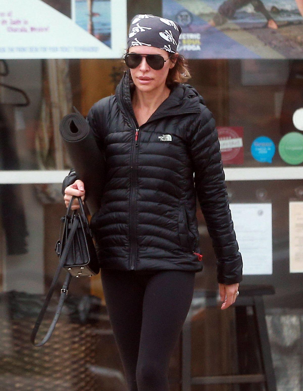 LISA RINNA Leaves a Yoga Class in Studio City 01/03/2017