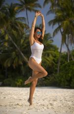 LIZZIE CUNDY on Vacation in Maldives 12/26/2016