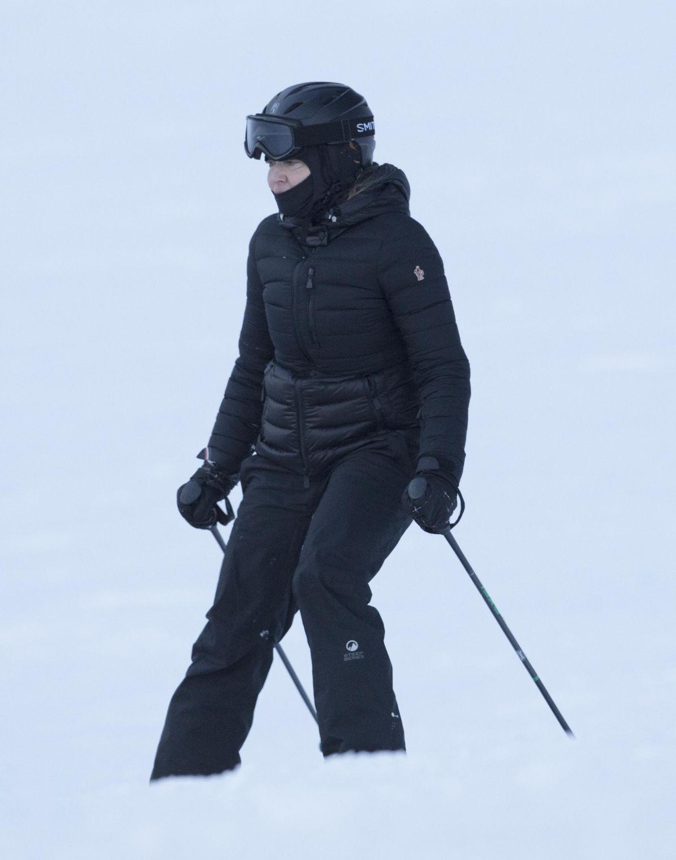 MADONNA Skiing in Verbier 12/29/2016