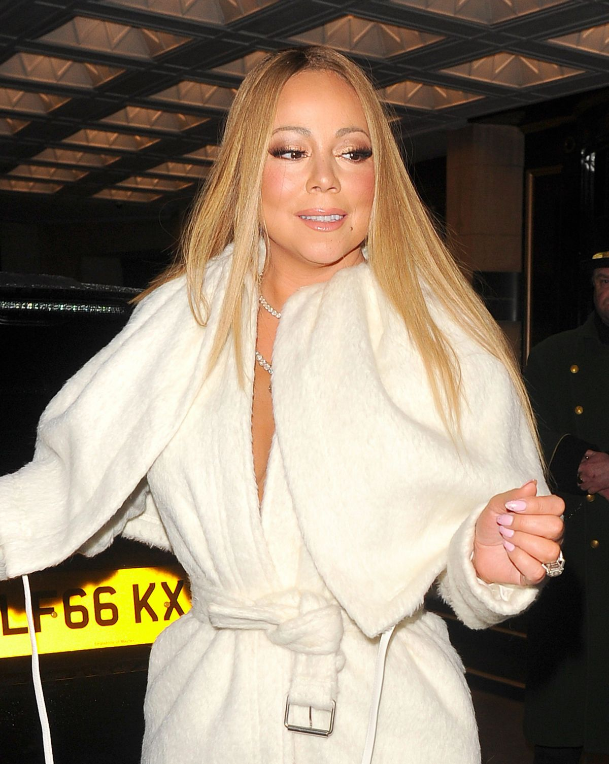 MARIAH CAREY Leaves He... Mariah Carey