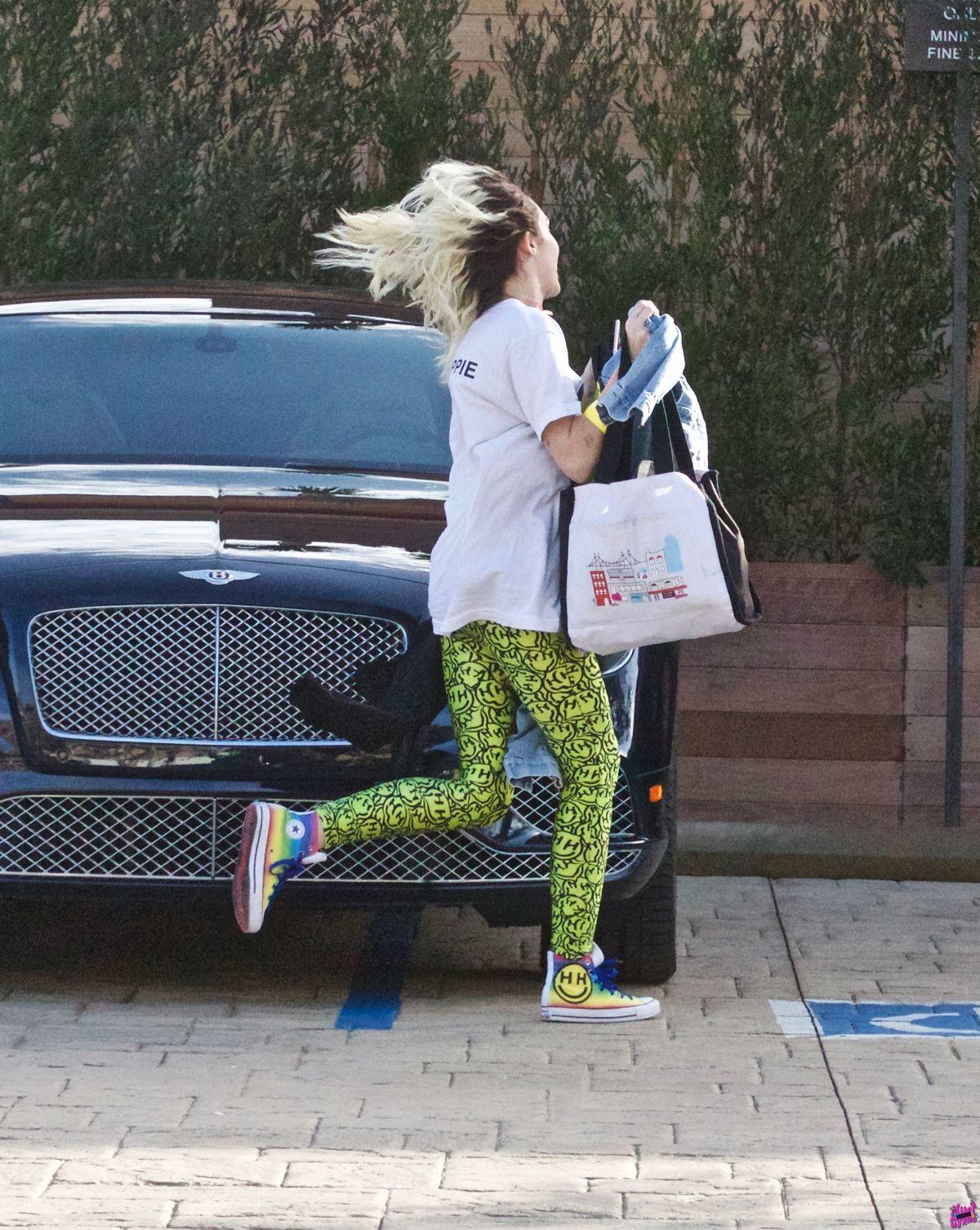 Miley Cyrus Leaves Soho House In Malibu 01 21 2017 8 Hawtcelebs