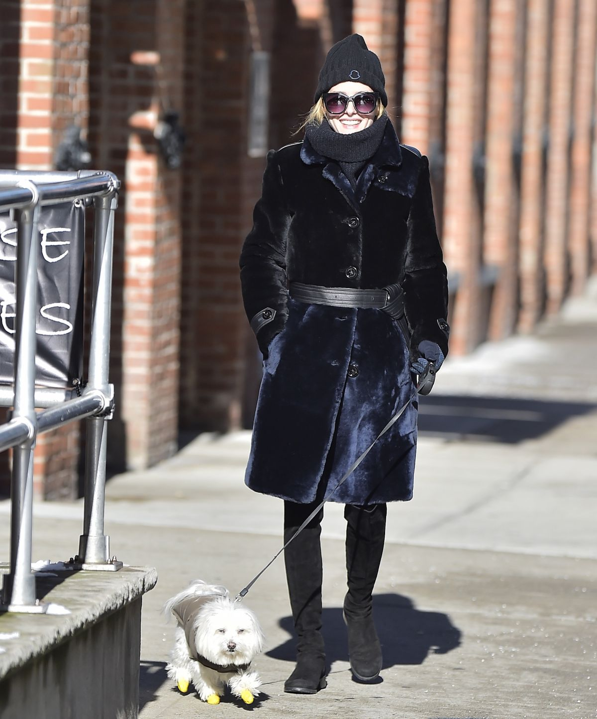 OLIVIA PALERMO Walks Her Dog Out in New York 01/06/2017