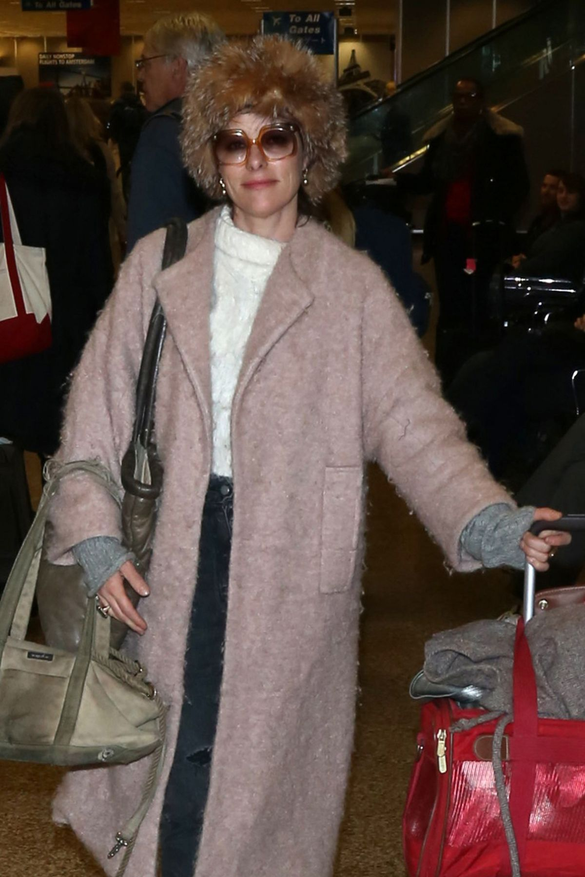 PARKER POSEY Arrives in Salt Lake City 01/21/2017