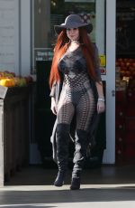 PHOEBE PRICE Shopping at Bristol Farms in Beverly Hills 01/26/2017