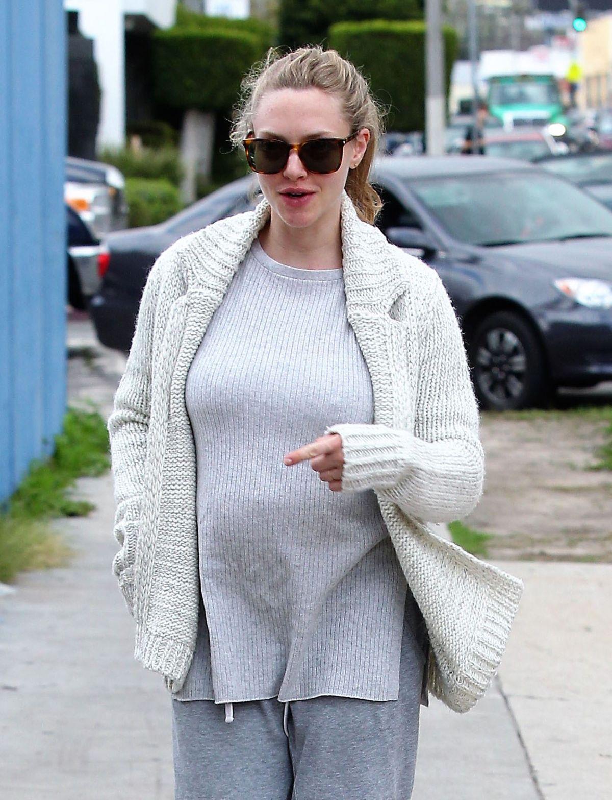 Pregnant AMANDA SEYFRI...
