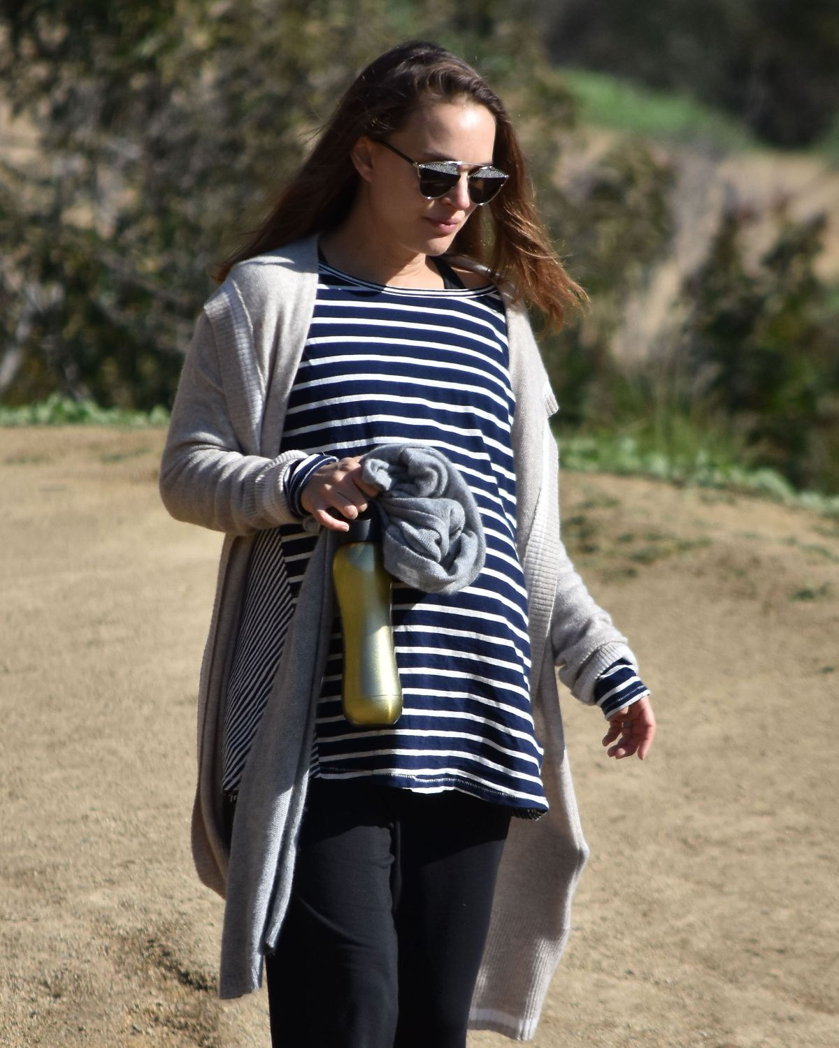 Pregnant NATALIE PORTMAN Out for a Morning Hike in Los Feliz 01/24/2017
