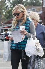REESE WITHERSPOON Out in West Hollywood 01/16/2017