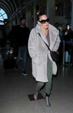 SARAH JESSICA PARKER Arrives at LAX Airport in Los Angeles 01/17/2017