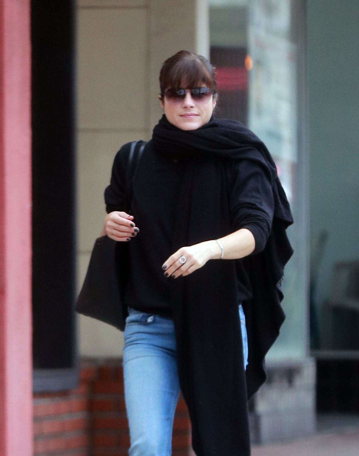 SELMA BLAIR Out and About in Ctudio City 01/04/2017 ...
