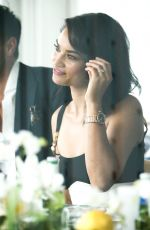 SHANINA SHAIK Out for Lunch in Melbourne 01/13/2017