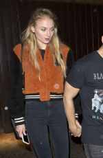 SOPHIE TURNER and Joe Jonas Leavs a Jonas Brothers