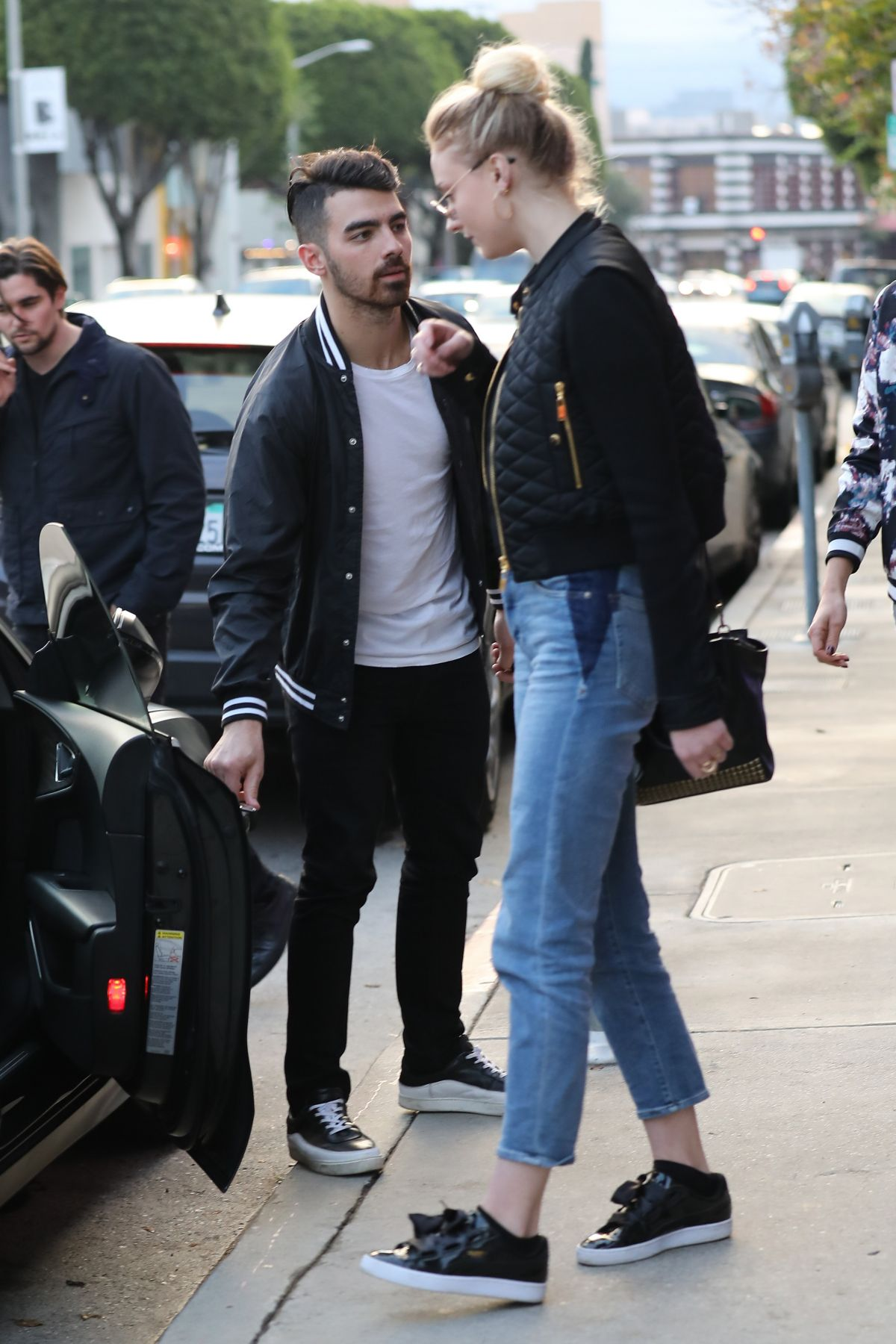 Sophie turner and joe jonas out in beverly hills 01 05 2017