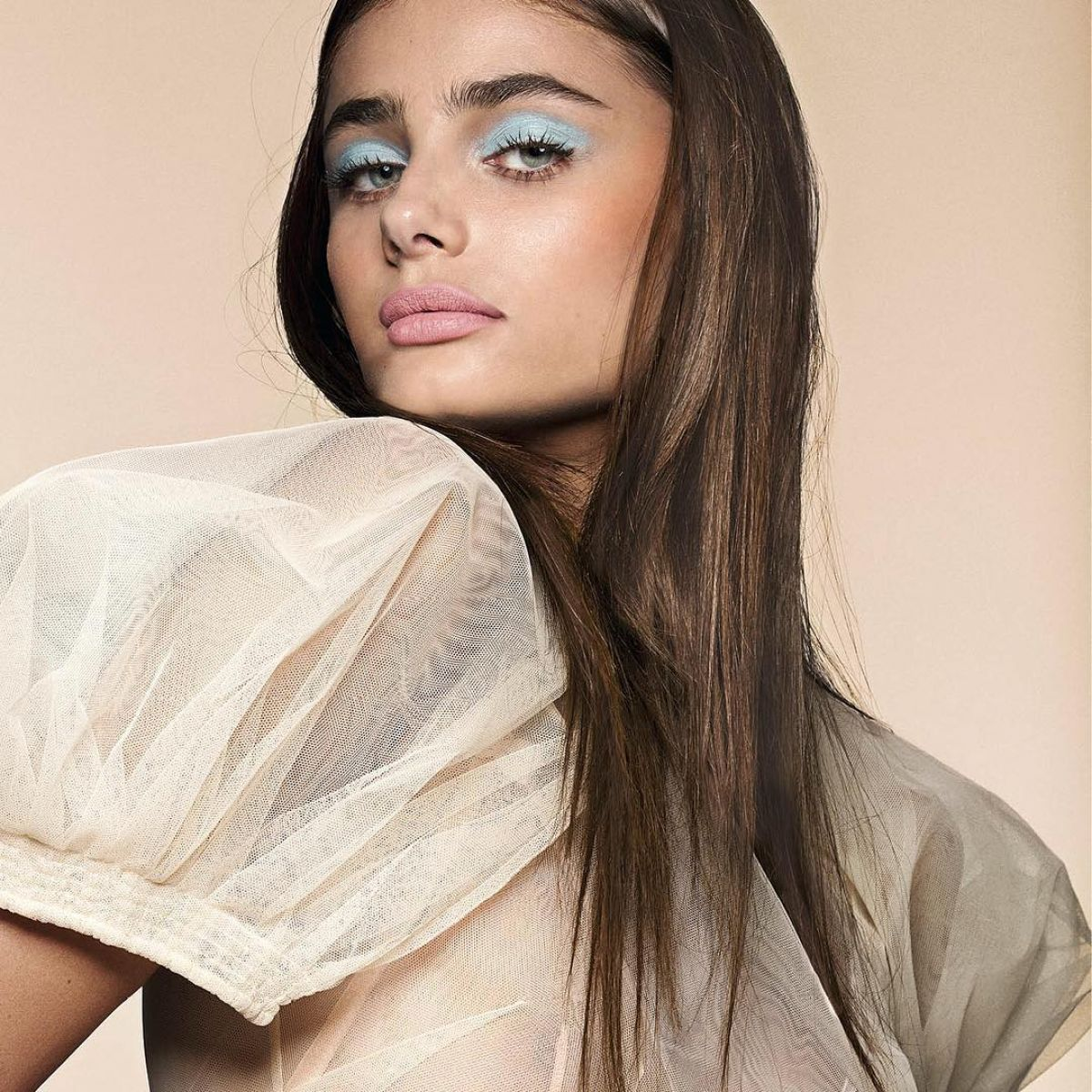Taylor marie hill for sunday times style 2017 hawtcelebs taylor marie hill for sunday times style 2017 altavistaventures Gallery