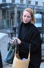 UMA THURMAN Out and About in New York 01/13/2017