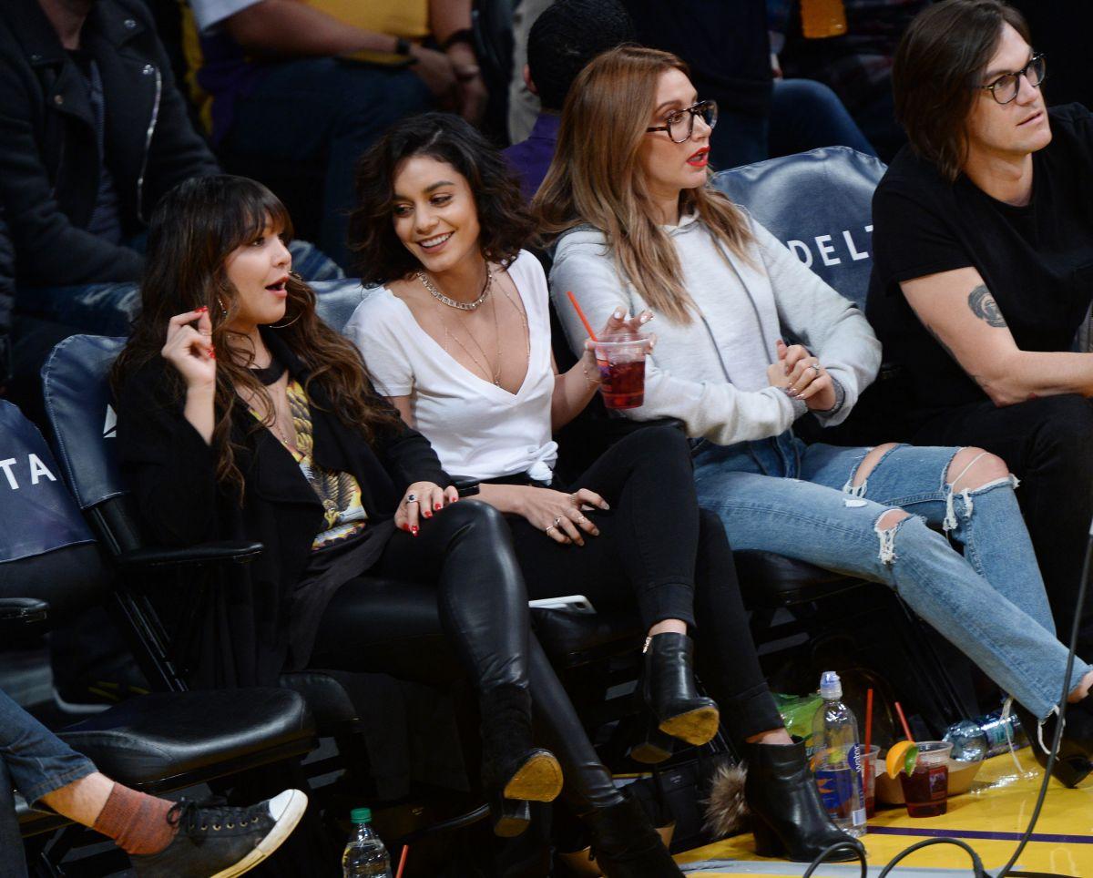 Bikini Vanessa, Stella Hudgens Ashley Tisdale  nude (45 fotos), Instagram, swimsuit