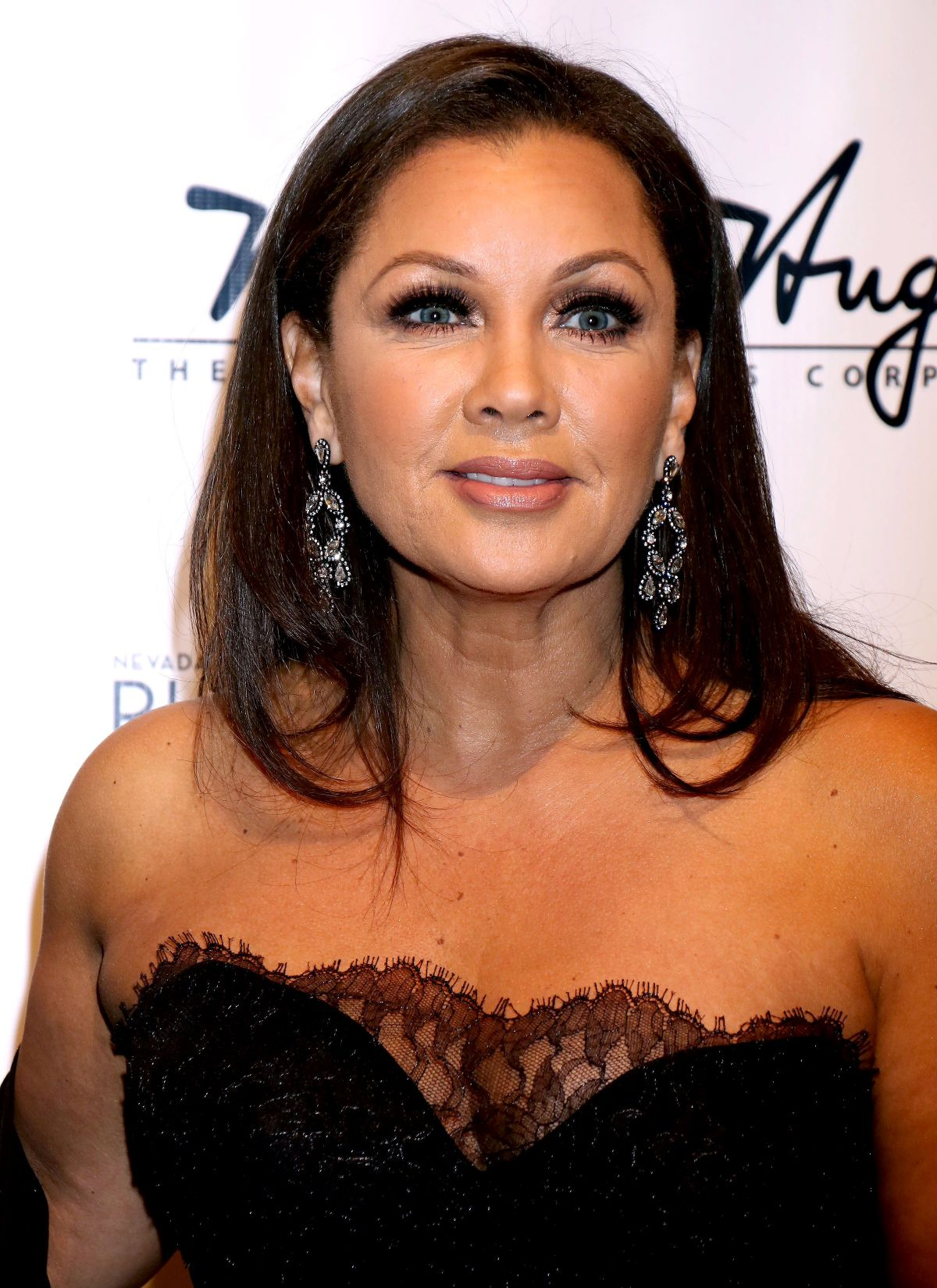 VANESSA WILLIAMS at 33rd Annual Black and White Ball in ... Vanessa Williams