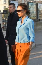 VICTORIA BECKHAM Out and About in Paris 01/23/2017