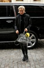 YOLANDA HADID Arrives at Her Daughter