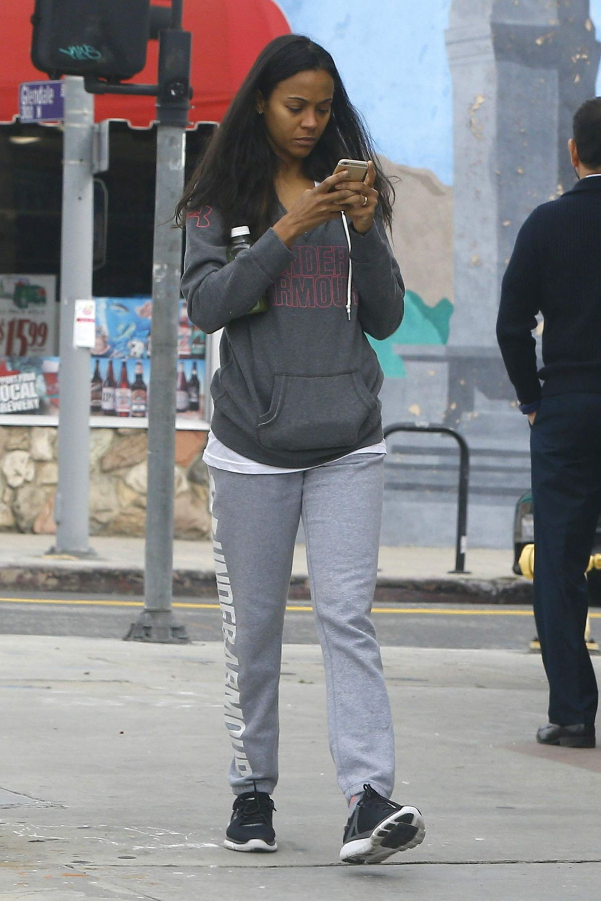 ZOE SALDANA Out and About in Glendale 01/18/2017