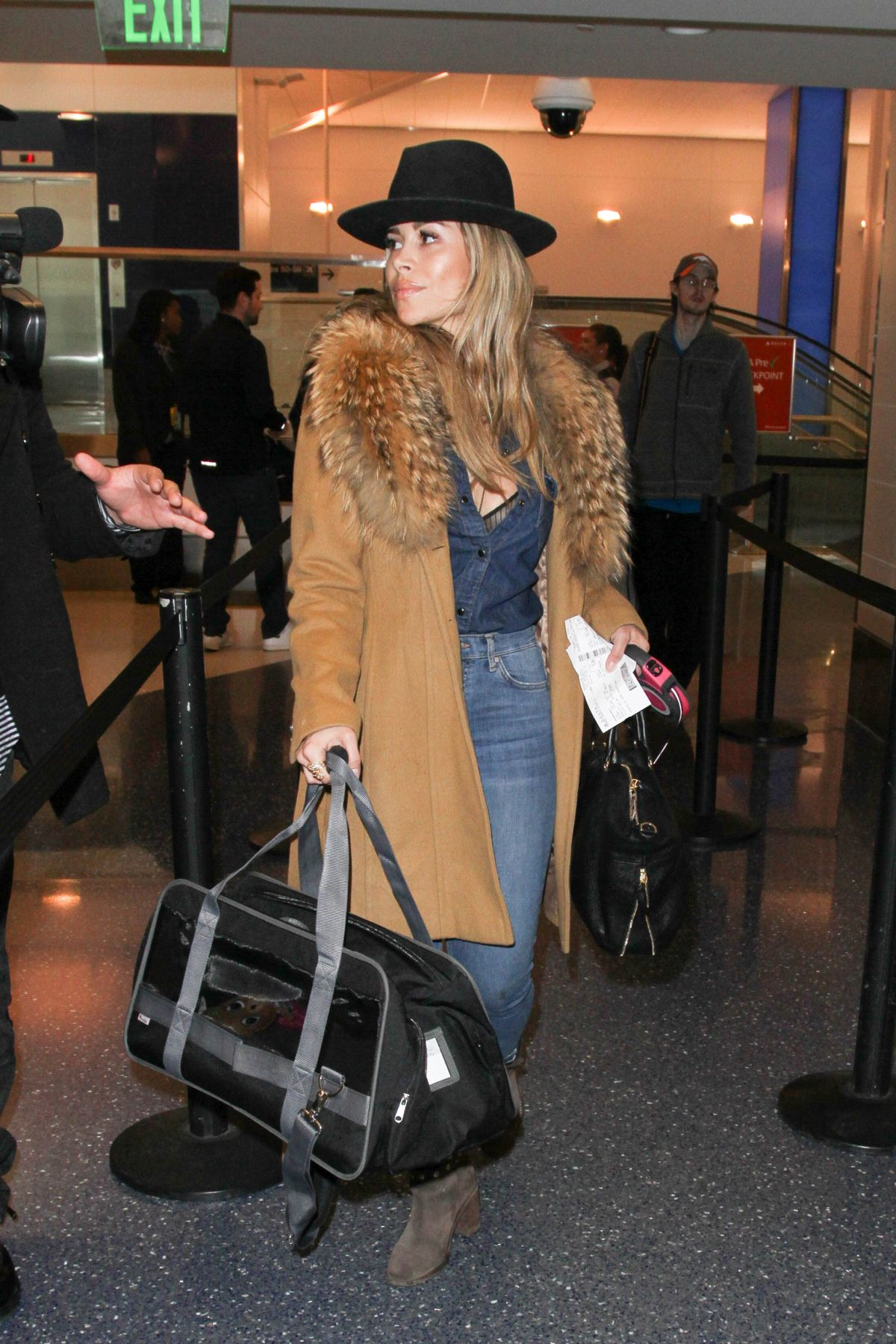 ZULAY HENAO at LAX Airport in Los Angeles 01/26/2017