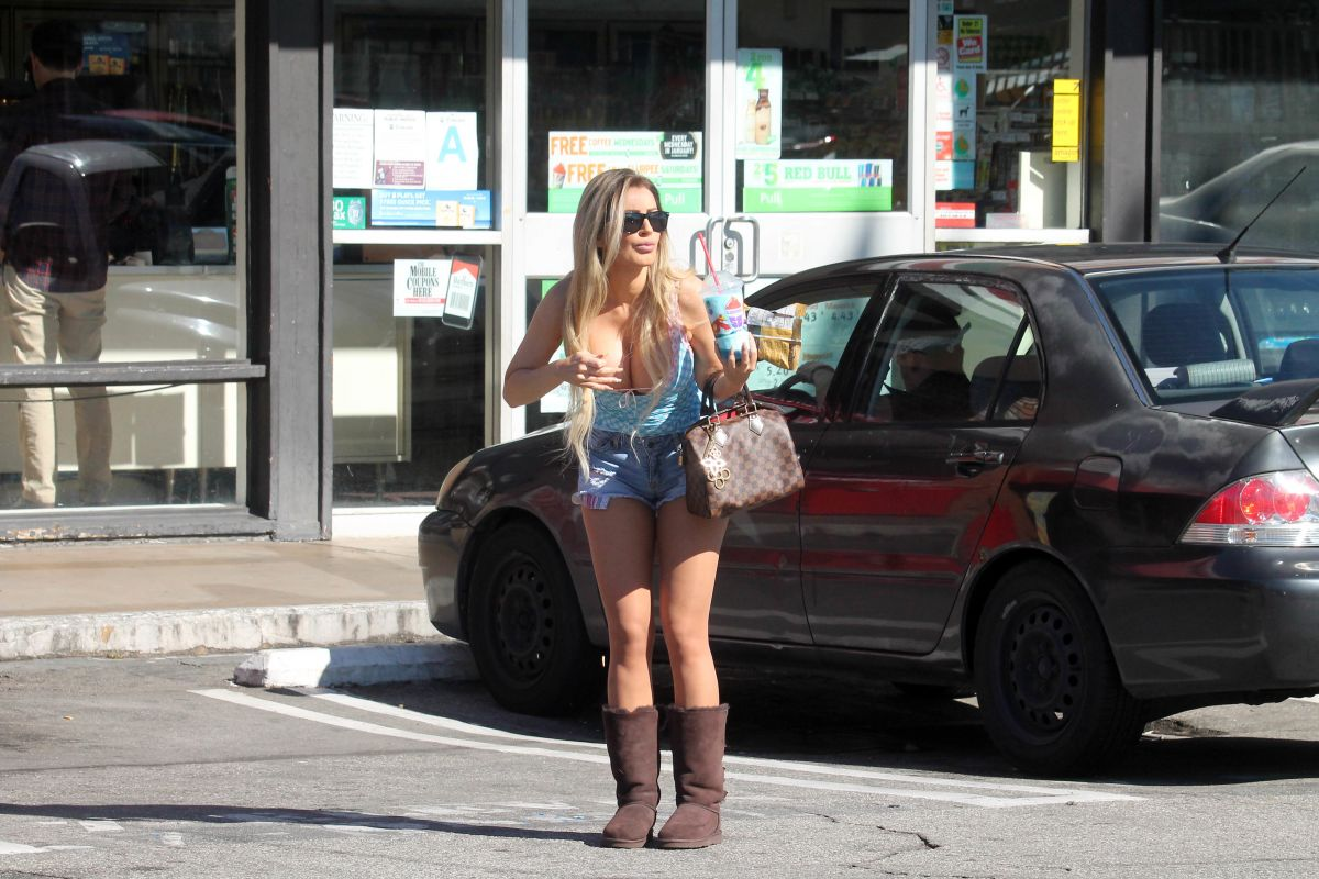 Ana Braga Out And About In Studio City 02  21  2017  U2013 Hawtcelebs