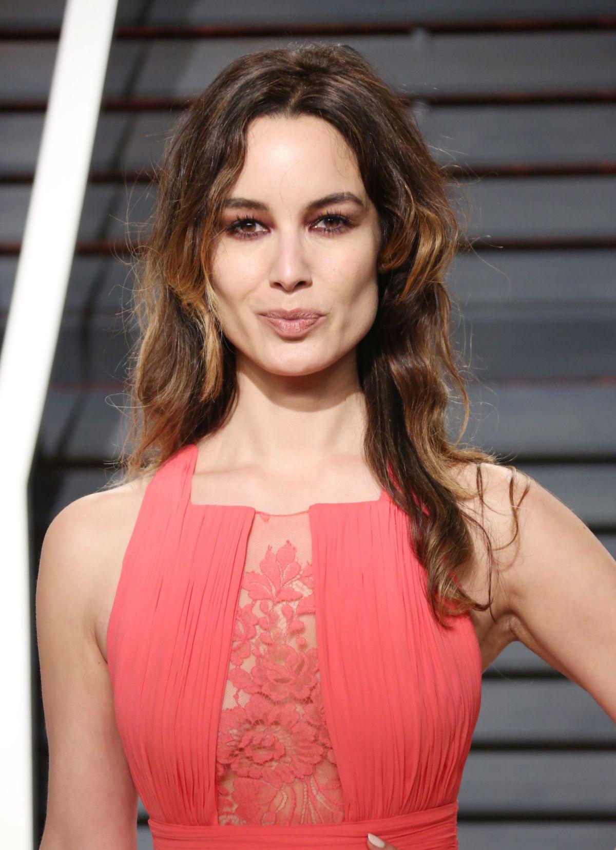 BERENICE MARLOHE at 2017 Vanity Fair Oscar Party in