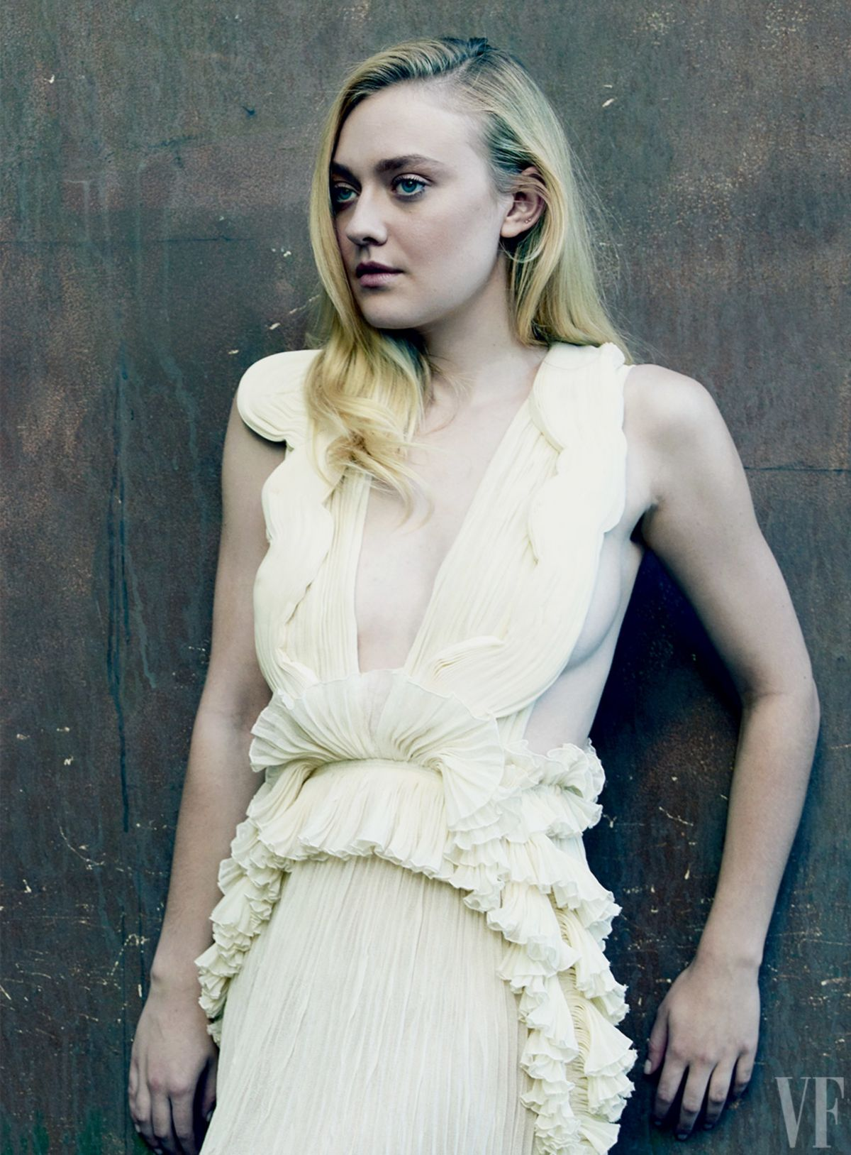 Dakota Fanning Archive...