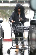 DIANA ROSS Shopping at Bristol Farms in Beverly Hills 02/03/2017