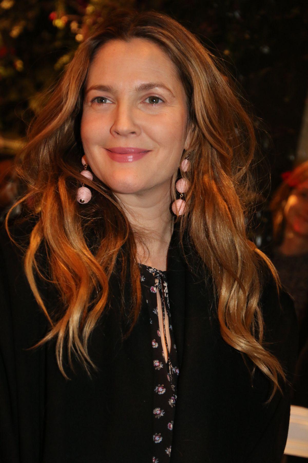 DREW BARRYMORE at Club Monaco Fashion Presentation in New ... Drew Barrymore