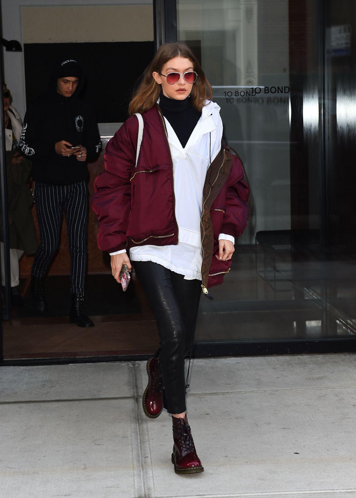 gigi hadid leavies her apartment in new york 02/11/2017
