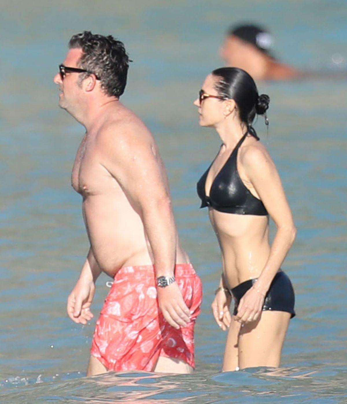 A Connelly Jennifer Beach In StBarts At 02172017 Bikini uF5T1J3lKc
