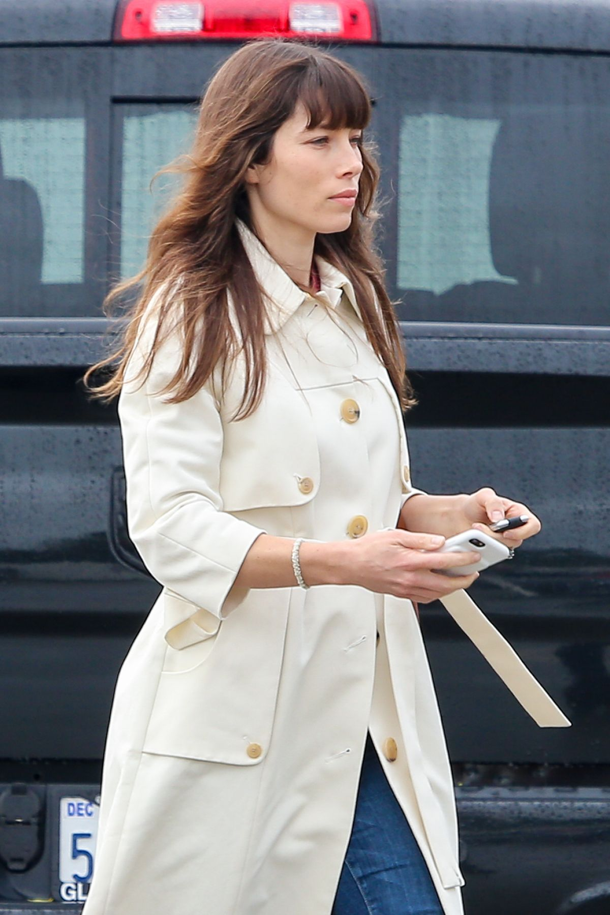 JESSICA BIEL Out and About in Santa Monica 02/06/2017