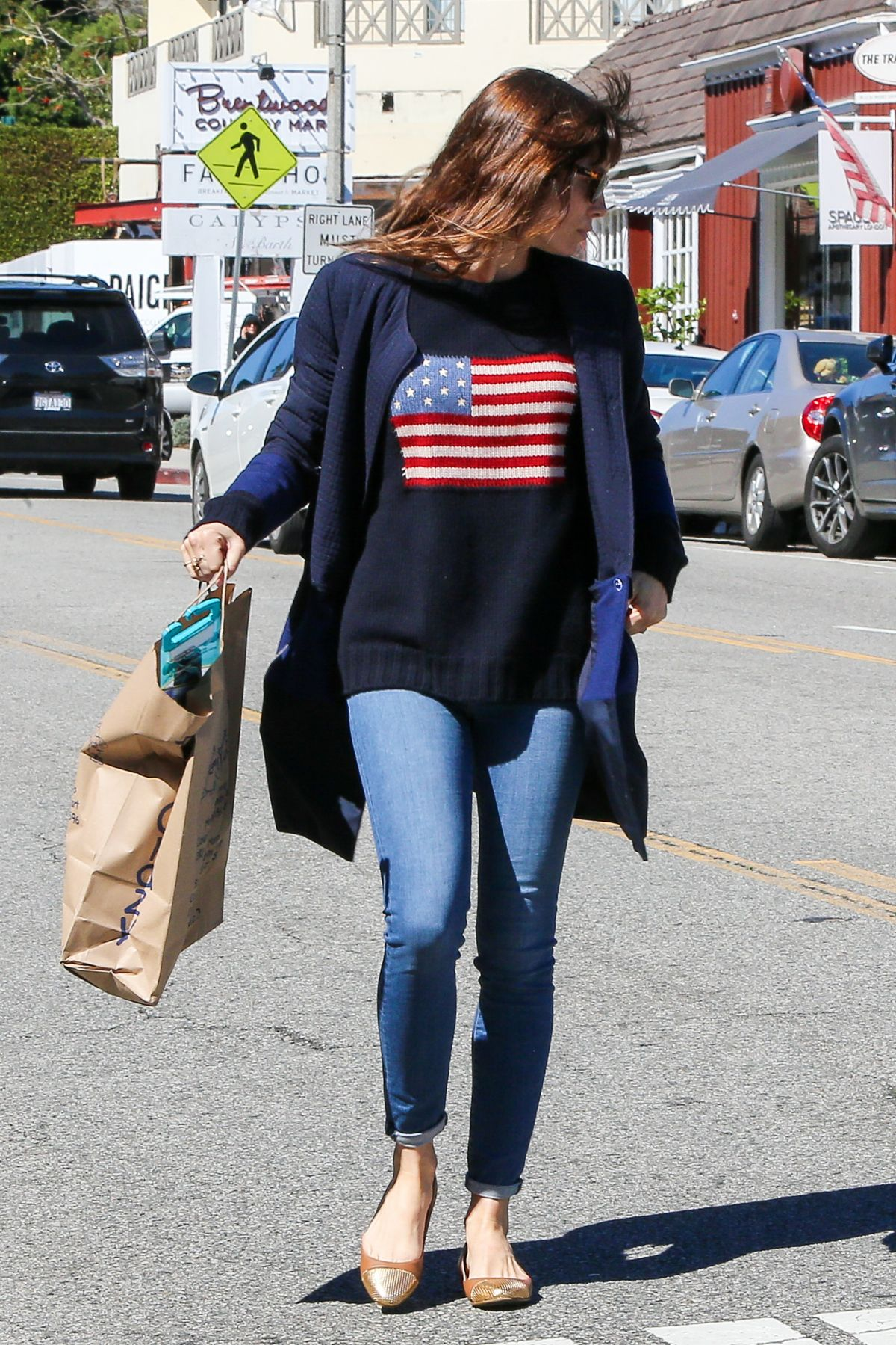JESSICA BIEL Shopping at Crazy Toys in Brentwood 02/23/2017