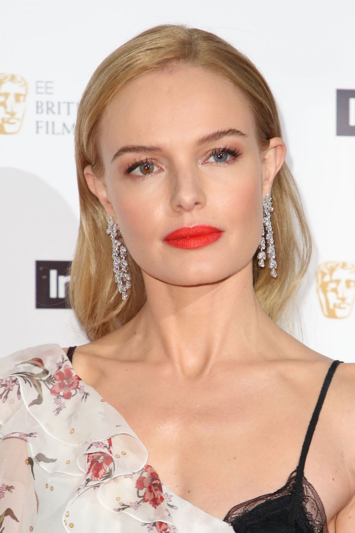 KATE BOSWORTH at Insty... Kate Bosworth