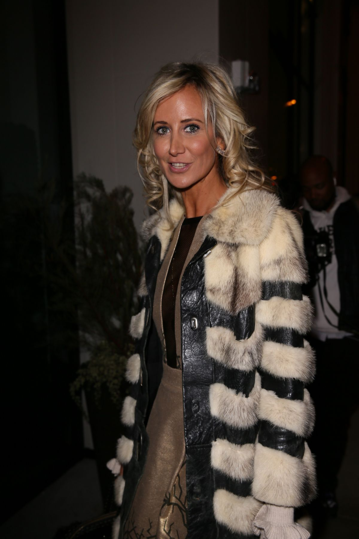 Lady victoria hervey at catch la in west hollywood naked (77 photo), Cleavage Celebrites picture