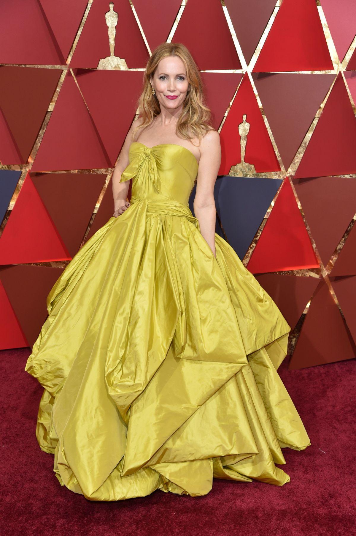 LESLIE MANN at 89th Annual Academy Awards in Hollywood 02/26/2017