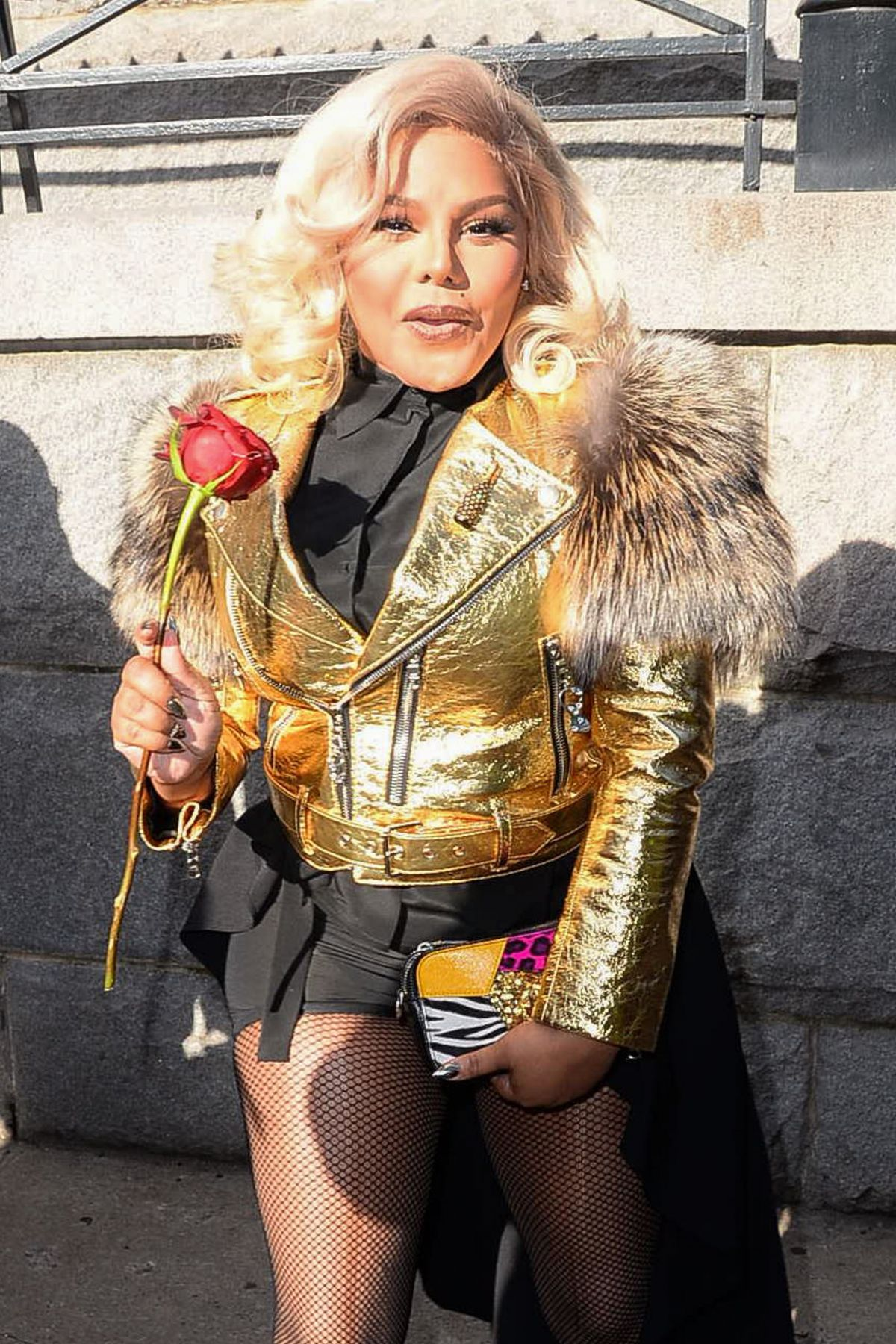 LIL' KIM Leaves Marc J...