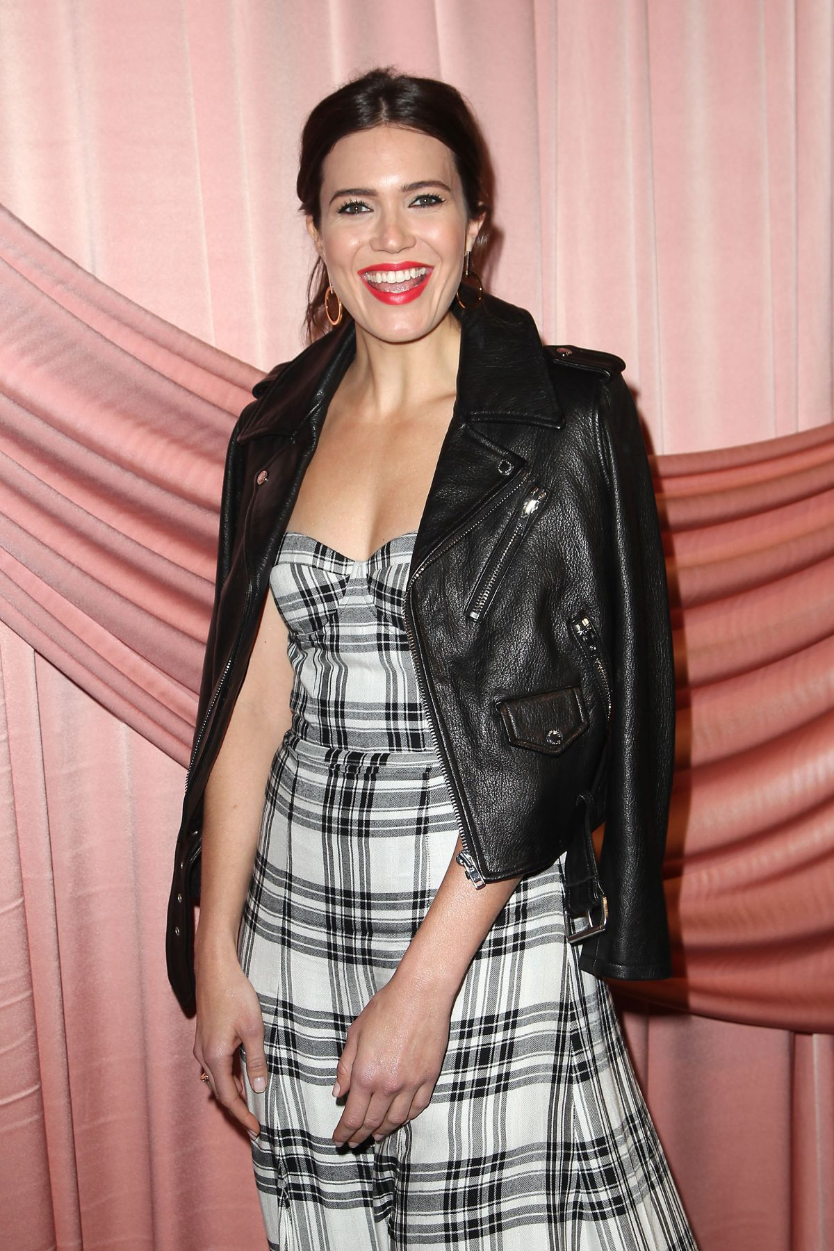 MANDY MOORE at Aice+Olivia by Stacey Bendet Presentation in New York 02/14/2017   mandy-moore-at-aice-olivia-by-stacey-bendet-presentation-in-new-york-02-14-2017_1